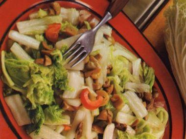 Salát z pekingského zelí pikantní