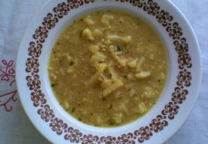 Bramborovo  květáková polévka s kurkumou