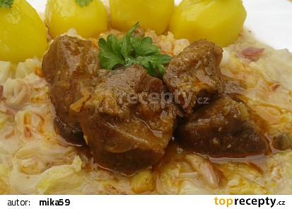 Pikantní vepřové kostky se slaninovou kapustou recept ...