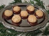 Plněné kokosky máčené v čokoládě recept