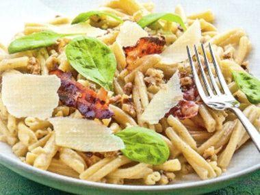 Těstoviny s gorgonzolou a ořechy