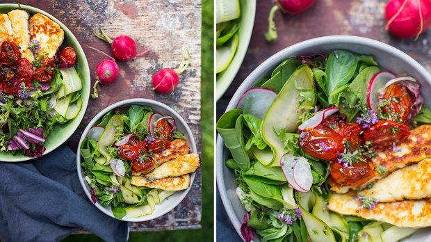 Salát s halloumi a pečenými rajčaty