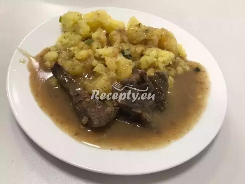 Roštěná s cibulkou recept  hovězí maso