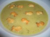 Květákovo-brokolicová polévka s rybičkama recept