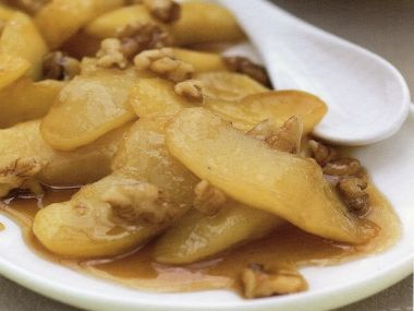 Opékaná jablka/hrušky s javorovým sirupem