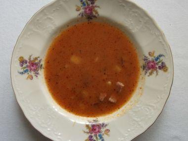 Tradiční česká gulášová polévka