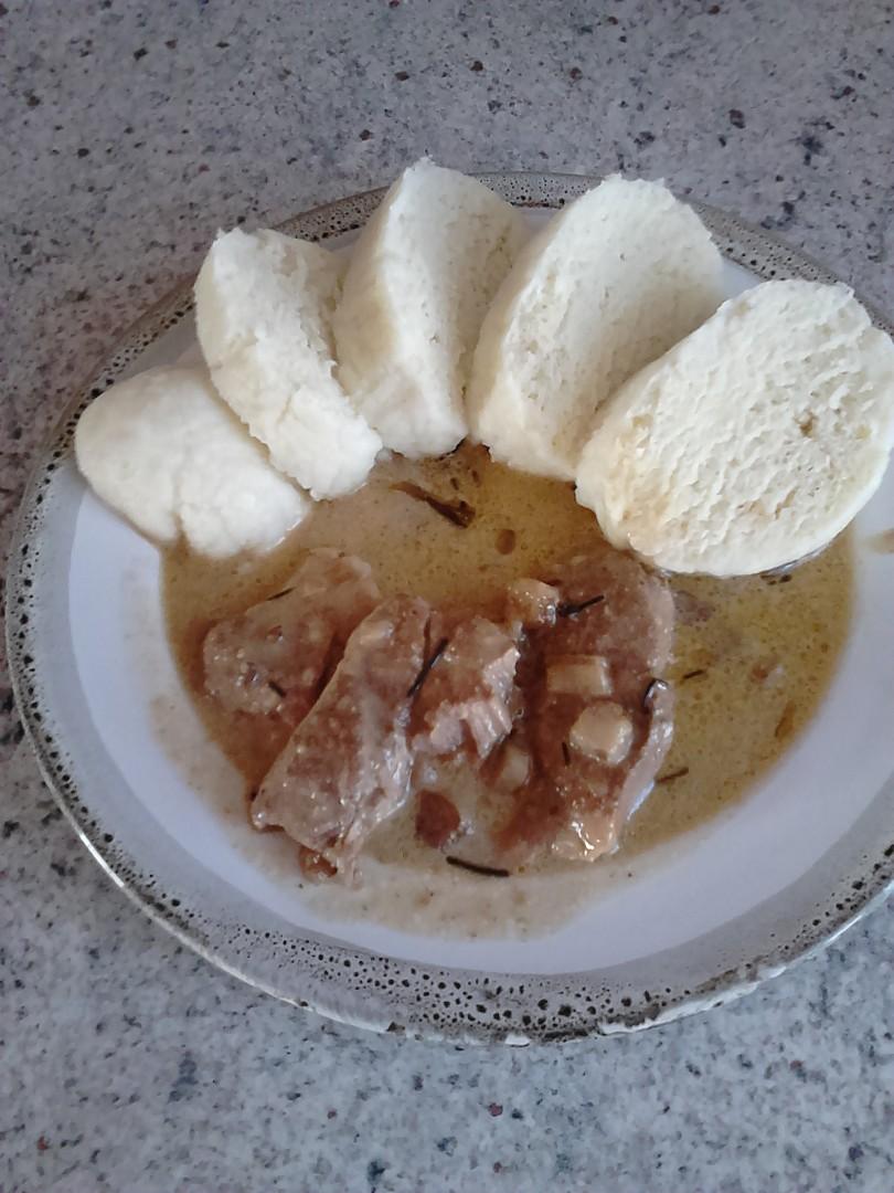 Vepřové plátky na slanině zahuštěné smetanou recept  TopRecepty ...