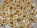 Jednohubky s ořechovou pomazánkou recept