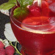 Vinný střik s malinami recept