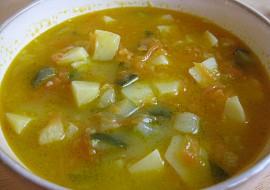Mrkvovo-cuketová polévka s bramborami recept