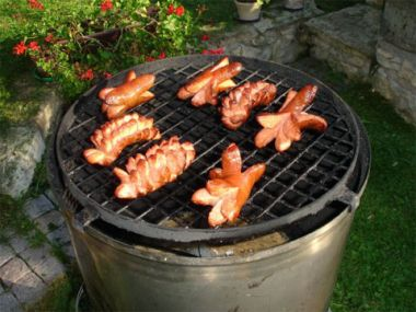 Plněné špekáčky na grilu