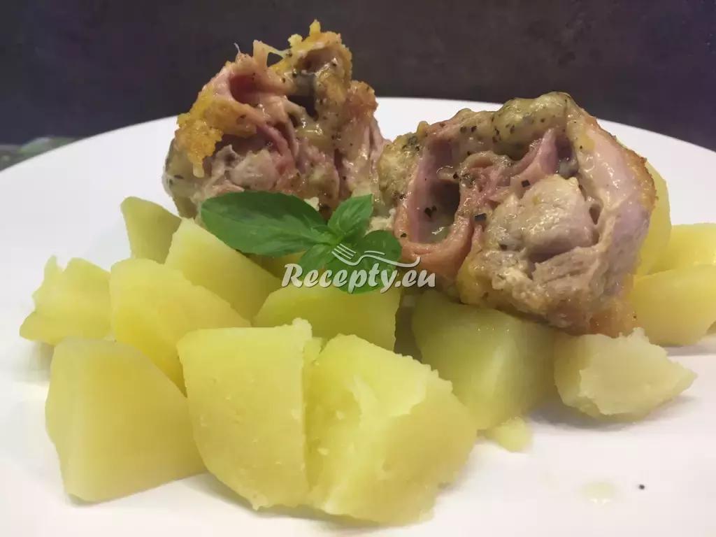 Kuřecí prsíčka plněná slaninou a švestkami recept  drůbeží maso ...