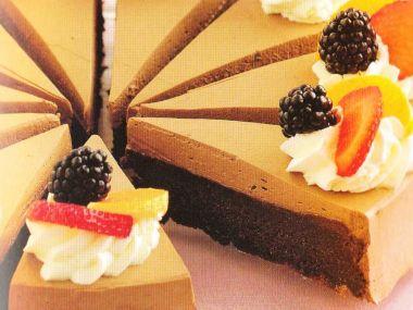 Čokoládový pudinkový dort s ovocem
