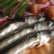 Makrely na rajčatech recept