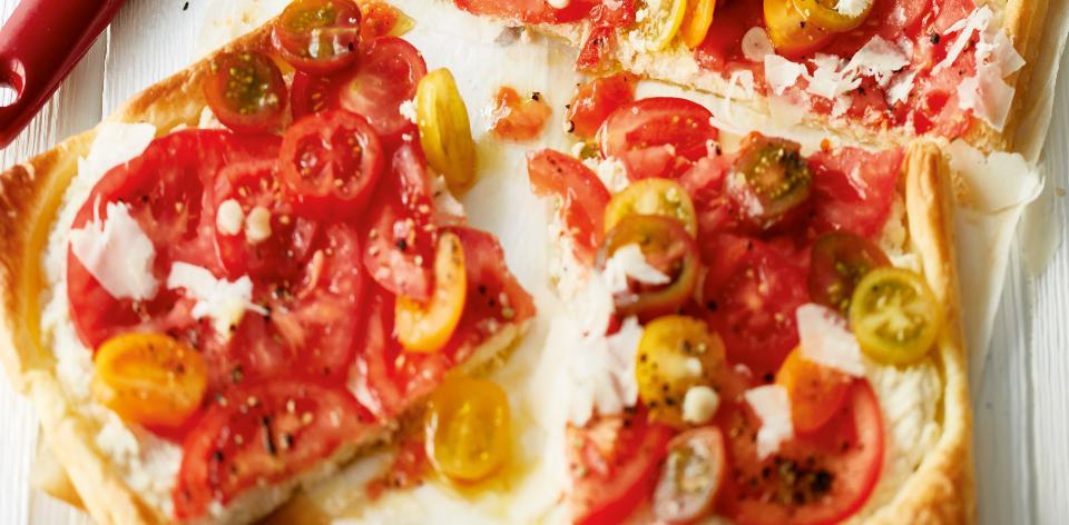 Koláč s ricottou a rajčaty