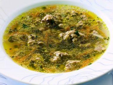 Polévka s játrovými knedlíčky a pohankou