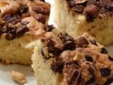 Buchta se skořicí, čokoládou a oříšky recept