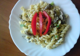 Těstoviny s játry ve smetanovo  sýrové omáčce recept  TopRecepty ...