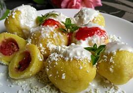 Ovocné (jahodové a meruňkové) knedlíky z tvarohu a pudingů ...