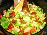 Lehký letní salát s kuřecím masem recept