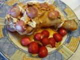 Kuřecí stehýnko plněné marinádou z kardamomu a česneku v ...