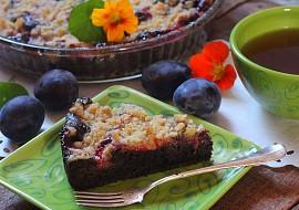 Rychlý perníkový koláč se švestkami a drobenkou recept ...