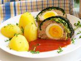 Kapustové listy plněné mletým masem a vejci v omáčce z ...