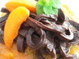 Čokoládové nudle s perníkovou chutí a meruňkovou omáčkou ...