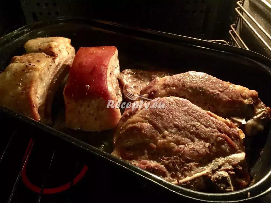 Vepřová krkovička pečená na červeném víně recept  vepřové maso ...