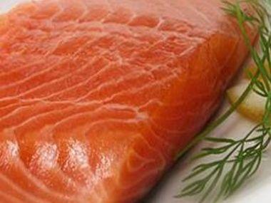Steak z lososa s pomerančovou salsou