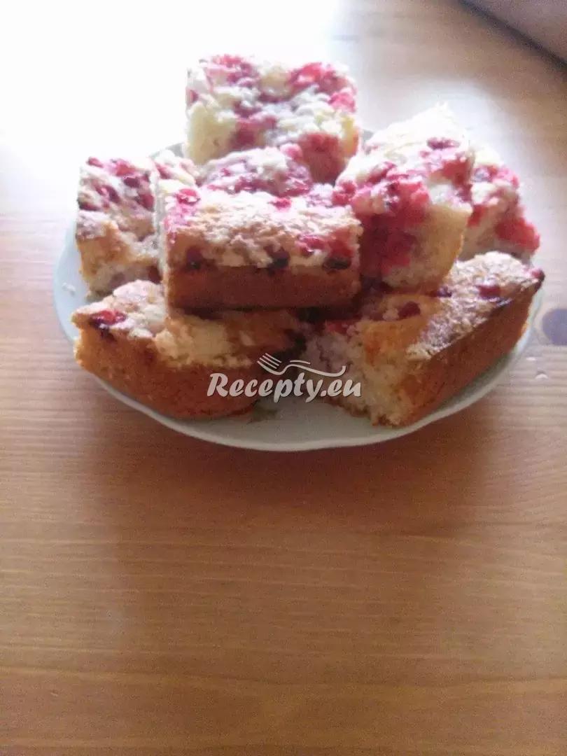 Rybízový koláč s drobenkou recept  moučníky