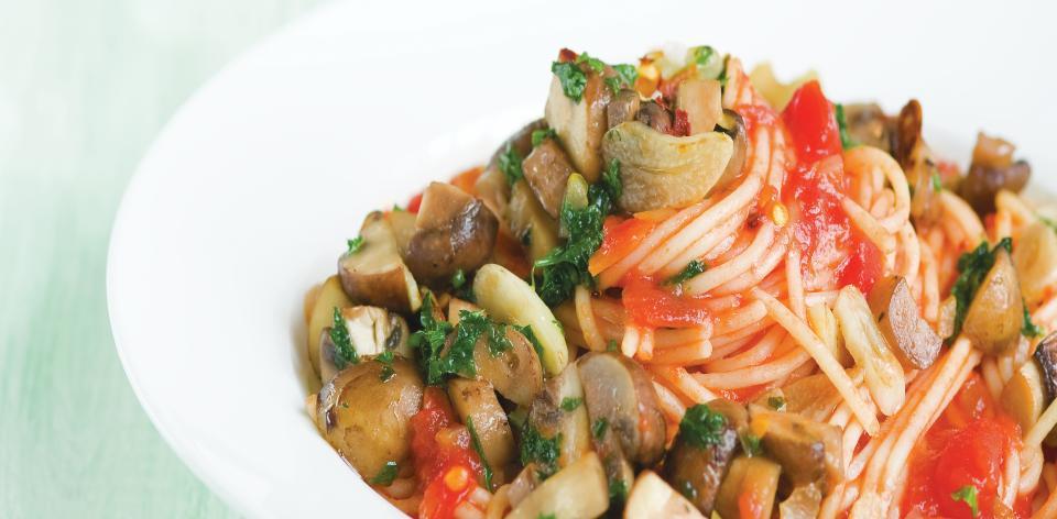 Česnekové špagety s houbami