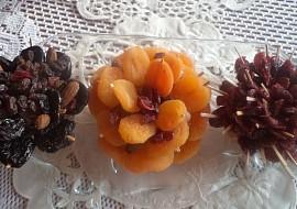 Kvietky zo sušeného ovocia na vianočný stôl recept