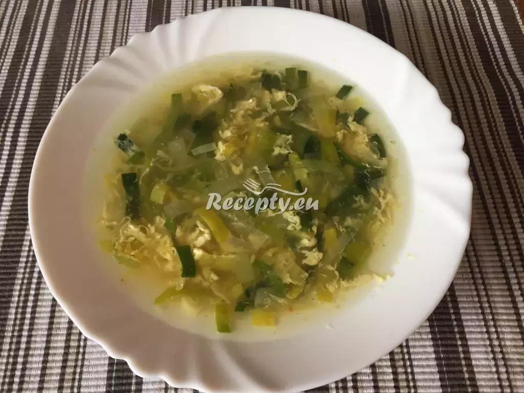 Pórková polévka s taveným sýrem recept  polévky