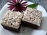 Čokojogurtové řezy s kokosovým krémem recept