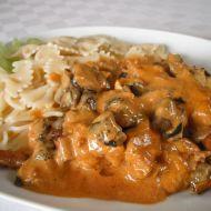 Kuřecí s houbami na paprice recept