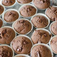 Rychlé muffiny s hořkou čokoládou recept