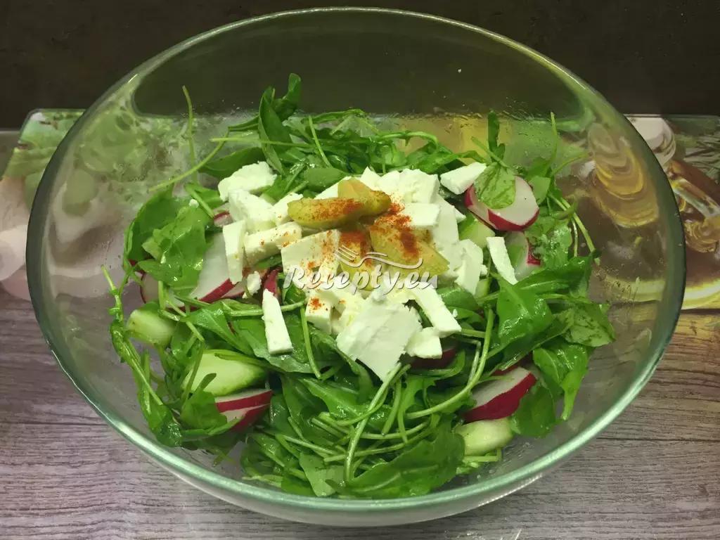 Salát z rukoly s balkánským sýrem recept  saláty