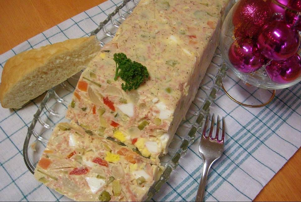 Tlačenka s vejci a uzeninou recept