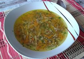 Rychlá mrkvová polévka s játrovým drobením recept