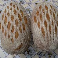 Domácí pšenično-žitný kváskový chléb recept