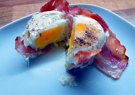 Pečené vejce v šunkovém hnízdě recept