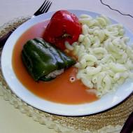 Plněné papriky v červené omáčce recept
