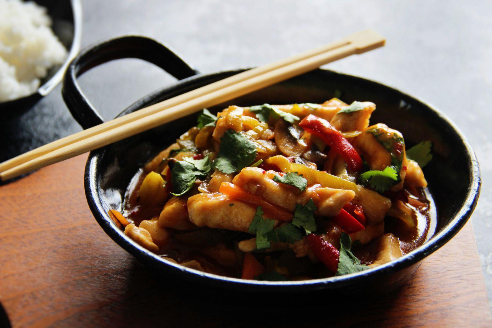 Rychlé kuřecí nudličky se zeleninou ve sladkokyselé omáčce recept ...