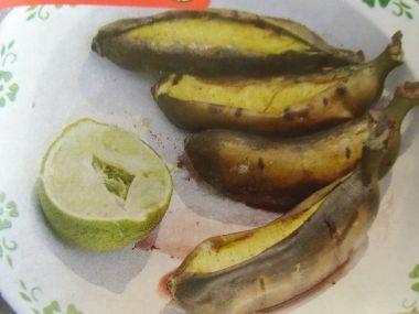 Banán s rumovou omáčkou