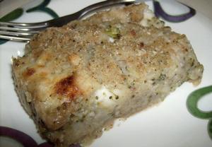 Zapečené brambory s oříšky, brokolicí a sýrem