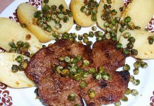 Přírodní maso s hráškem