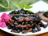 Jogurtové lívance s borůvkovou omáčkou recept