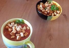 Rajčatová polévka ,,minestrone s krutony recept