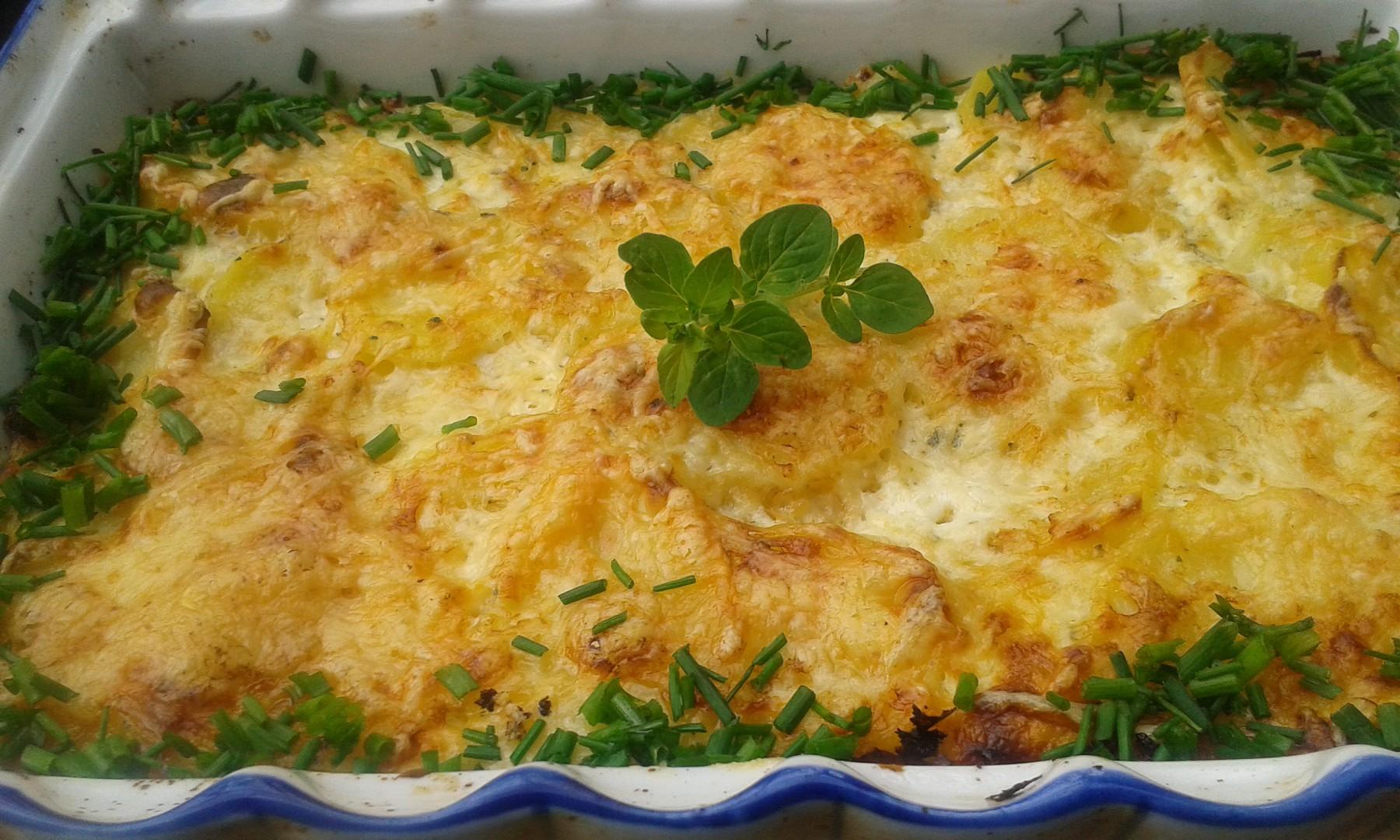 Savojské brambory se sýrem recept
